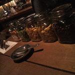 BAR MARTHA - テーブル上のナッツ類