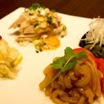中華料理 HACHI - 前菜4種盛り合わせ。乾杯のおつまみに。