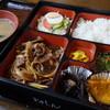 シャトル - 料理写真:焼肉定食