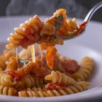 ラ テッラ - フルーツトマトとリコッタチーズのフジッリ