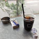 カフェ&ビアテラス カリフォルニアカフェ - から揚げランチ(10個) 800円  ドリンク200円引き