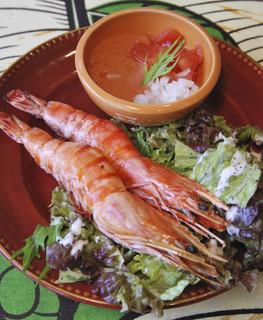 バオバブ - Bigな海老とフレッシュトマトソースがベストマッチ◎ガーナの屋台料理