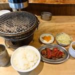 ジビエノ小屋 - ジンギスカンランチ (ご飯・スープ・サラダ・つけもの付)