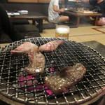 七厘焼き和作 - 焼肉は至高の牛三昧1,980円。  お肉が柔らかくて美味しい事に加え七厘を使って炭火焼するんでぶんご牛を使った焼肉はまさに絶品、驚くべき美味しさでした。
