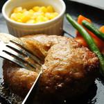 ヒノマルステーキ - 旨みたっぷり肉汁ハンバーグ