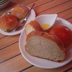5826405 - パンはバイキング形式で食べ放題