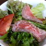 肉酒場寿楽 - セットのサラダ
