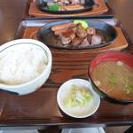 Nikusakabajuraku - サイコロステーキ150gのセット