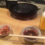 めんよう亭 - 生ビールとお通しのキムチ