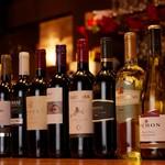 マリナーラ - ボトルワインも豊富にご用意しております。