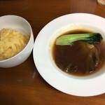 四川野郎 - ご飯の上に薄焼き卵