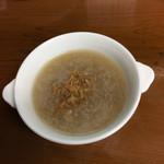 四川野郎 - 山芋と揚げ干し貝柱のスープ