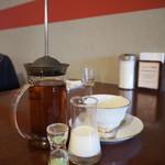 リーフ ティー カフェ ヒカリ - 紅茶