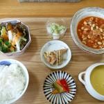 菜華 - 料理写真:ランチ1000円コーヒー付(税込み)