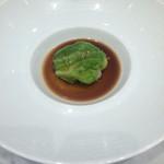 レストラン ひらまつ 博多 - 鴨 フォアグラのキャベツ包み                             トリュフ風味のソース