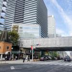 京ばし松輪 - このとんがり帽子交番の向かい側にお店があります。