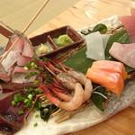 浜焼太郎 - 刺身中盛り(980円)