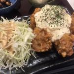 大阪唐揚 旭 - タルタル定食(¥740)