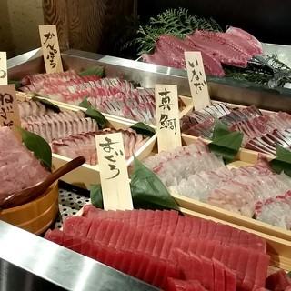 【ランチ限定】超お得な「お刺身食べ放題」1500円!