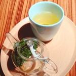 トラヤカフェ - 煎茶。
