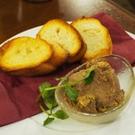 イタリアン カフェ&ワインバル GB 立川店 - フォアグラ入り鶏レバーのムース バゲットを添えて