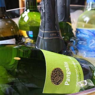 グラスワインは450円~日本酒本格焼酎まで種類豊富なドリンク