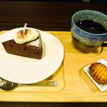 ジャンヌダルクカフェ - クラシックショコラとブレンドコーヒー