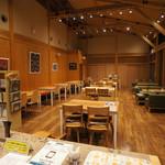 ダイニングカフェ846 - 店内