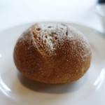 コムシコムサ - 自家製の全粒粉パン