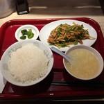 かけらーめん 一番館 - チンジャオロース定食630円