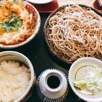 甜蕎屋 源平 - 粗挽きそば  ミニ親子丼付き  1200円