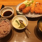 やよい軒 - かきフライミックス定食980円※ごはんは十六穀米 (2016)