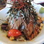 洋食厨房 吉 - トマトの甘さ、丼の出汁、うまいですよ