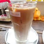 カフェ パンプルムゥス - アイフカフェラテ・豆乳(650円)