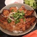 日本橋燻とん - 豚丼(みそ)