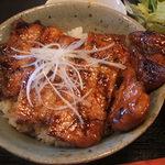 日本橋燻とん - 豚丼(しょうゆ)