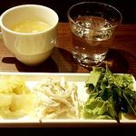 Sumiyakiandowainrizaburou - 野菜の前菜2種とミニサラダ、本日のスープ