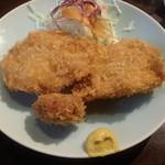 しま田 - 鶏カツ+サービスのミニメンチ