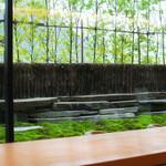 茶洒 金田中 - 苔庭