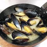 ジュリアーノ - ムール貝のバターガーリック焼き