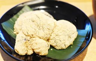 茶洒 金田中 - わらび餅 黒蜜