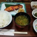 京粕漬 魚久  - さけ京粕漬定食