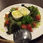 Bistro des Chenapans - ブッラータのサラダ