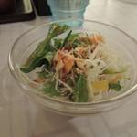 田所商店 - ランチだからなのか無条件ででてきたサラダ