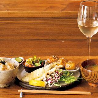 【水・木・金曜日限定】平日のランチは一汁三菜定食