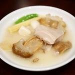 58317052 - 白菇海参鶏〔幻の白きのことなまこ・鶏の煮込み〕
