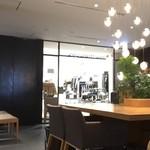 デイビット・マイヤーズ カフェ - 店内