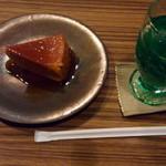 karo 馥郁焙煎工房 - 料理写真:かぼちゃプリンケーキ 380円とメロンソーダー 400円