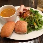 ANCLAR - ドリンク付き 500円の朝食