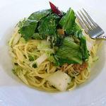 パスタ・エ・カフェ・シオサイ - ジャコと野菜のペペロンチーノ。野菜たっぷり。